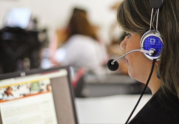 Central de call center ; serviço de reclamações ; setor de serviços ;  (Foto: Reprodução/Facebook)