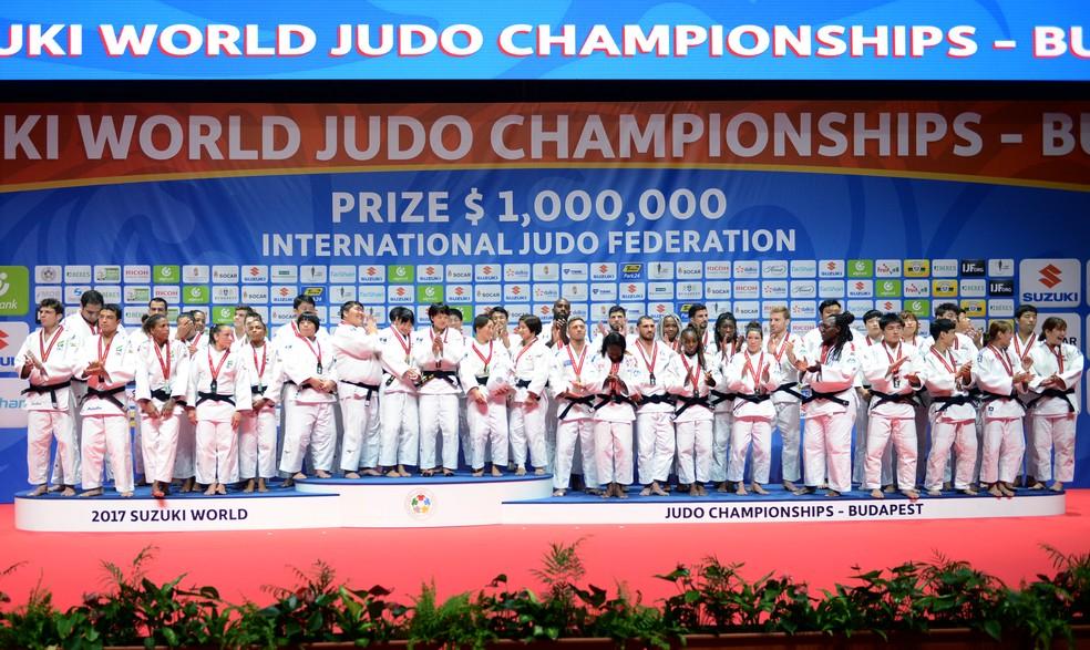 Vista no Mundial de Budapeste, disputa por equipes mistas estreia na Olimpíada — Foto: Paulo Pinto / CBJ