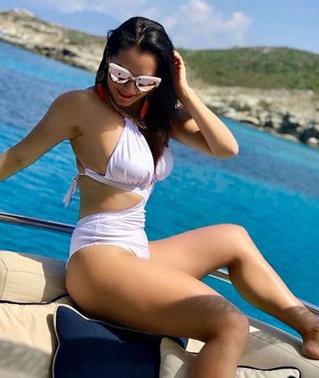 Mônica Carvalho faz Eurotrip de barco  (Foto: Reprodução/Instagram)
