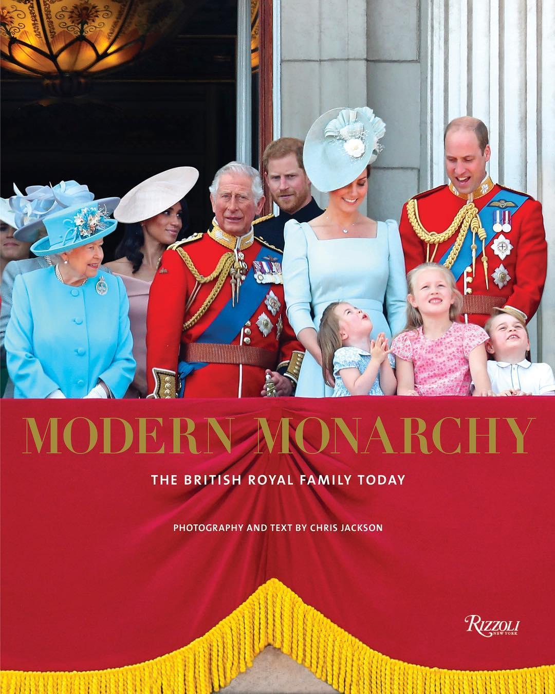 Modern Monarchy: Família Real ganha livro de mesa de centro (Foto: Reprodução/Instagram)