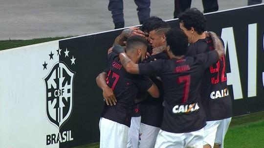 """Jogadores do Atlético-PR valorizam empate com o Corinthians: """"Dá moral"""""""