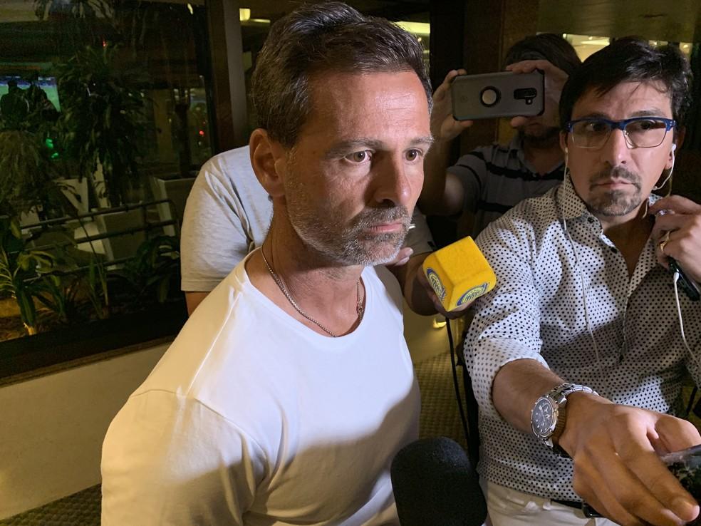Diego Cocca assumiu faz pouco e mudou o time do Rosario — Foto: Matheus Beck / GloboEsporte.com