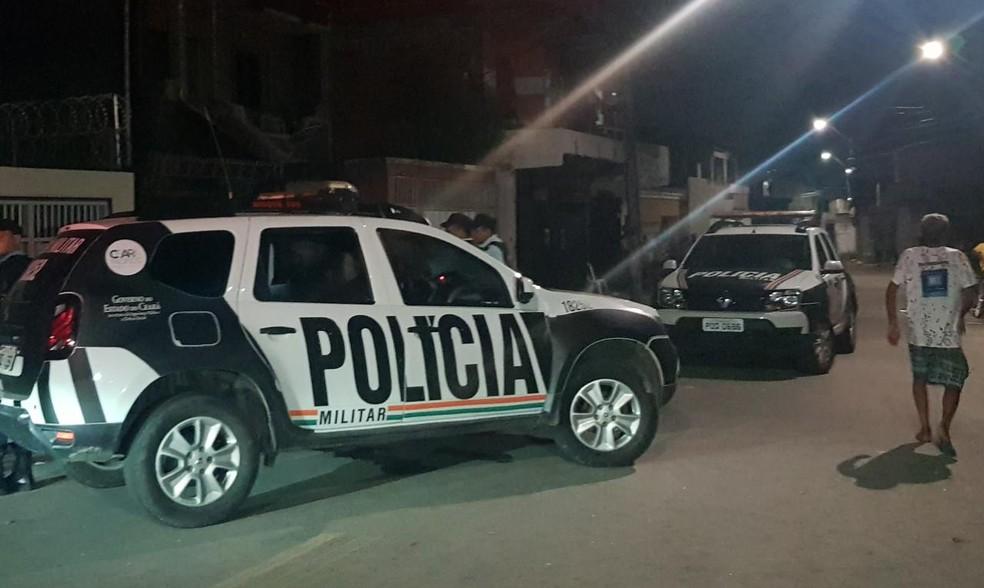 Crime aconteceu na Rua Lorena, no Bairro Pici, em Fortaleza — Foto: Rafaela Duarte/SVM