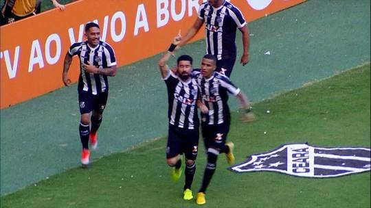 Ricardinho comemora gol contra o Inter e reforça momento de união no Ceará