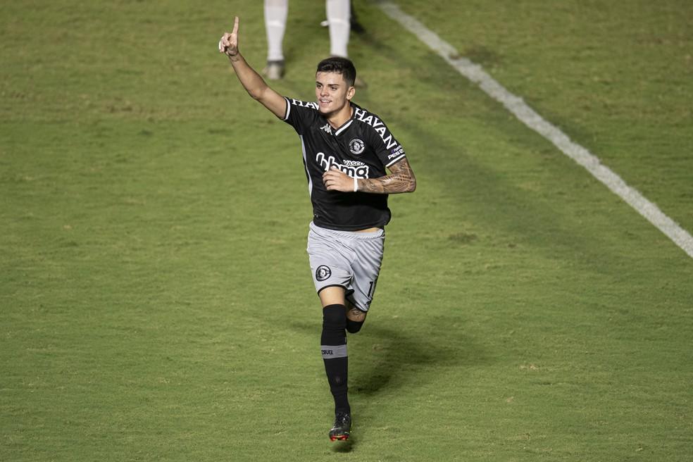 Pec comemora gol do Vasco contra o Macaé — Foto: JORGE RODRIGUES/AGIF - AGÊNCIA DE FOTOGRAFIA/ESTADÃO CONTEÚDO