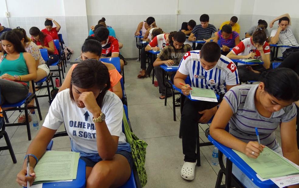 PE no Campus prevê apoio financeirto para estudantes que vão cursar o ensino superior (Foto: Katherine Coutinho / G1)