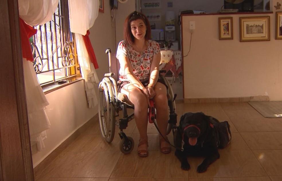 Juliana Russini era pesquisadora de comportamento animal, quando descobriu síndrome rara — Foto: Mike Adas/TV TEM