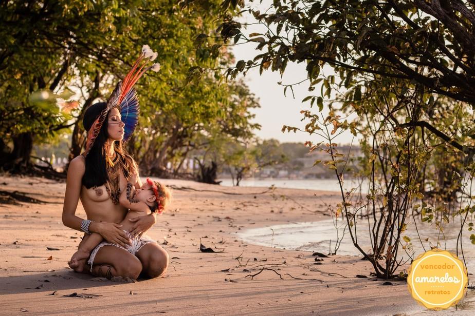 Foto de indígena amamentando em Alter do Chão é premiada em concurso latino-americano