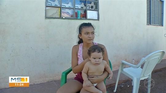 Aluna é proibida de entrar em escola levando filho de 9 meses em MS: 'Me disseram que existe lei para impedir'