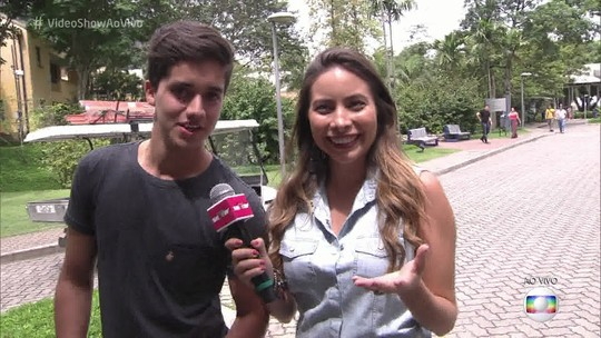 Matheus Fagundes conta que recebe conselho amorosos de José Mayer: 'Ele me ensina a ser galã'