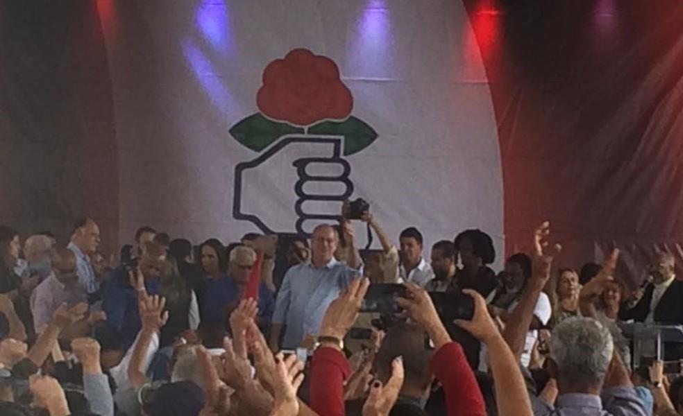 O candidato do PDT à Presidência da República, Ciro Gomes, durante ato no Rio de Janeiro no primeiro dia de campanha (Foto: Alba Valéria Mendonça/G1)