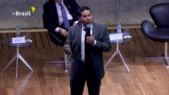 Mourão defende reforma política