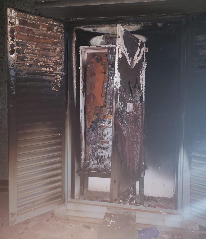 Curto-circuito causou princípio de incêndio em hospital particular do DF — Foto: Corpo de Bombeiros/Divulgação