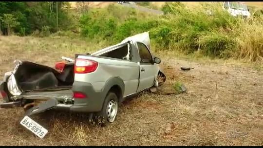Homem rouba carro, capota na fuga e morre na BR-158, diz polícia