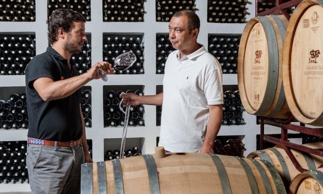 Alexandre Relvas (à esquerda), com Nuno Franco, consultor de viticultura e enologia