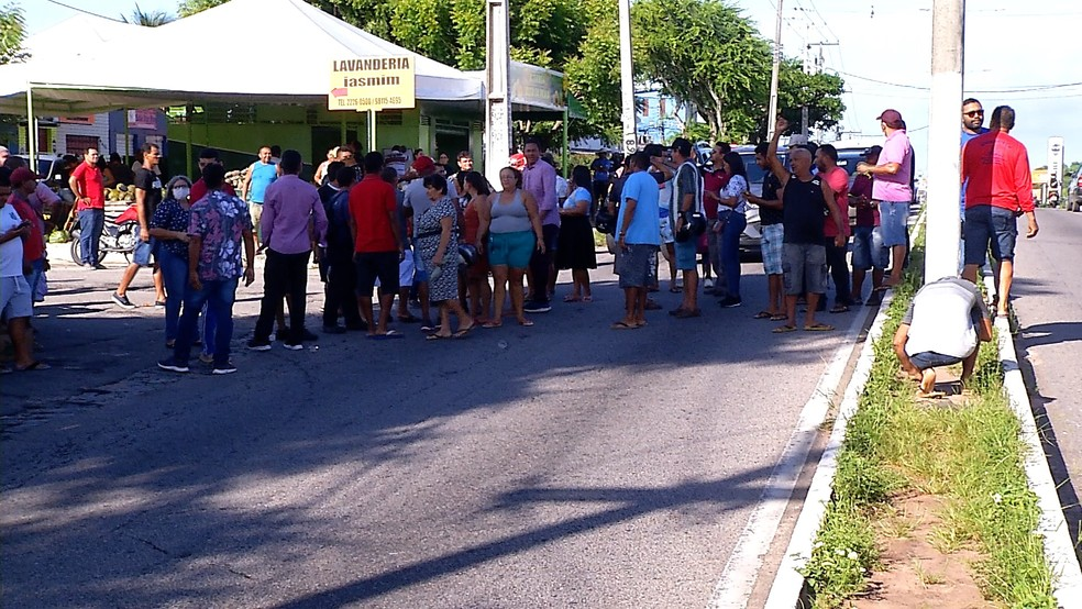 Feirantes fazem protesto contra restrições a feiras livres durante quarentena do coronavírus no RN — Foto: Reprodução/Inter TV Cabugi