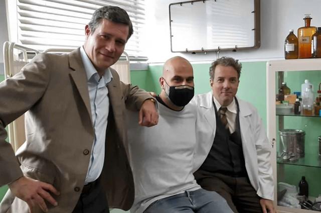"""O ator americano Matt Rippy, o diretor de """"Glória"""", Tiago Guedes, e Augusto Madeira (Foto: Arquivo pessoal)"""