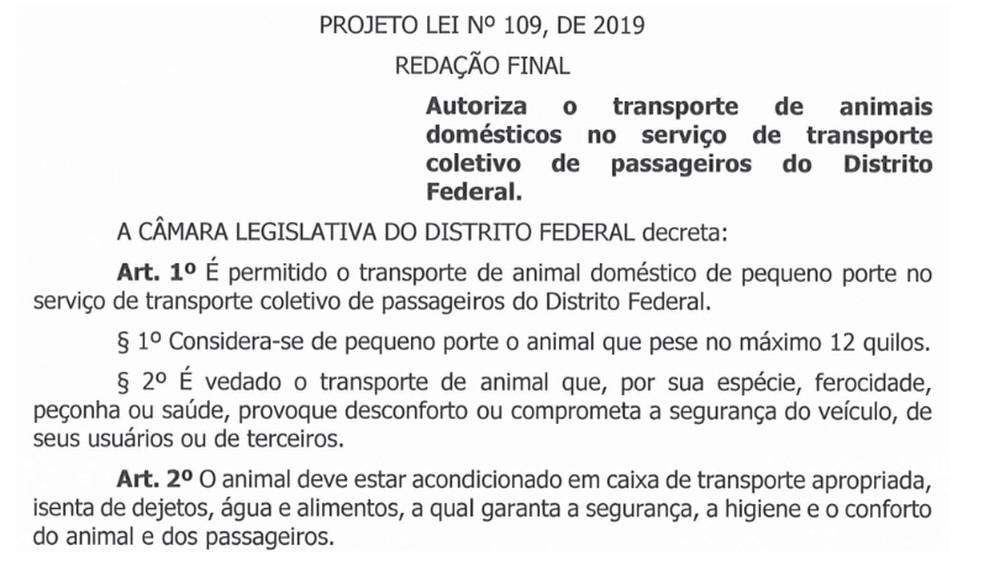 Trecho do PL nº 109/2019; proposta autoriza o transporte de animais de estimação no transporte coletivo do DF — Foto: CLDF/Reprodução