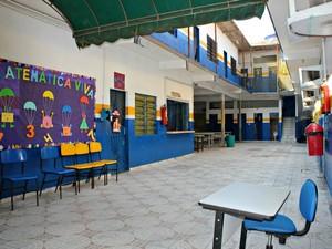 Escola Municipal Adolpho Ducke em Manaus (Foto: Adneison Severiano/G1)