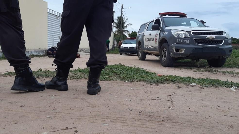 Homens foram mortos a tiros e facadas na Grande Natal — Foto: Sérgio Henrique Santos/Inter TV Cabugi