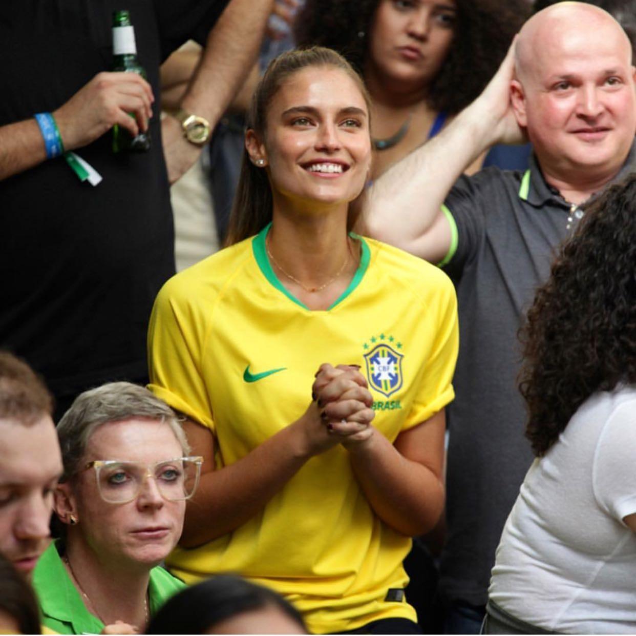 Fernanda Liz: Mandando muita energia positiva para os meninos da nossa seleção! RUMO AO HEXA BRASIIIIIIL (Foto: Reprodução/Instagram)