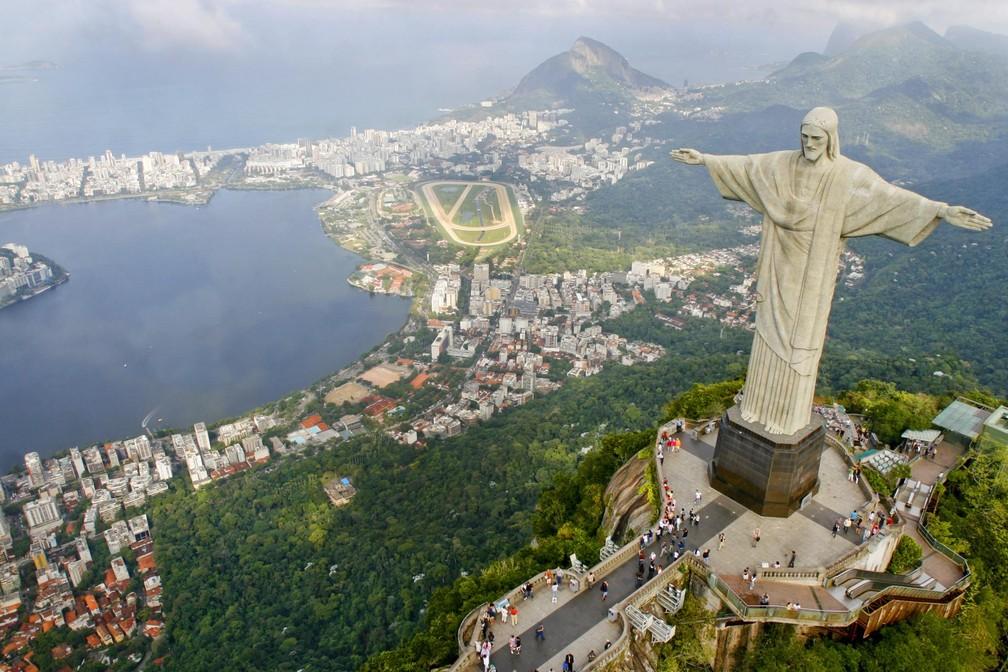 Cristo Redentor, a Lagoa e bairros da Zona Sul do Rio — Foto: Pedro Kirilos/Riotur