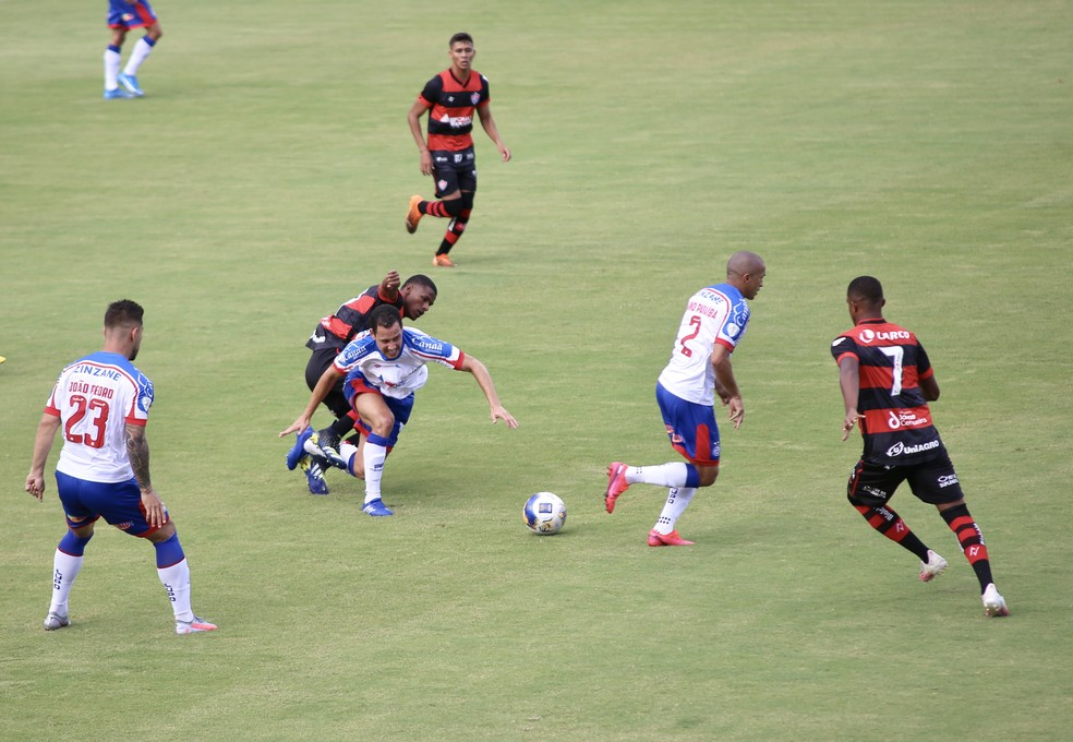 O Vitória bateu o Bahia no Barradão pelo placar de 1 a 0 — Foto: CLEBER SANDES/FRAMEPHOTO/ESTADÃO CONTEÚDO