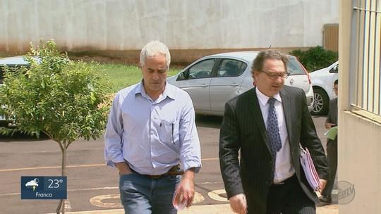 Condenado por cobrança ilegal de pacientes do SUS, médico é preso e solto no mesmo dia em Colina