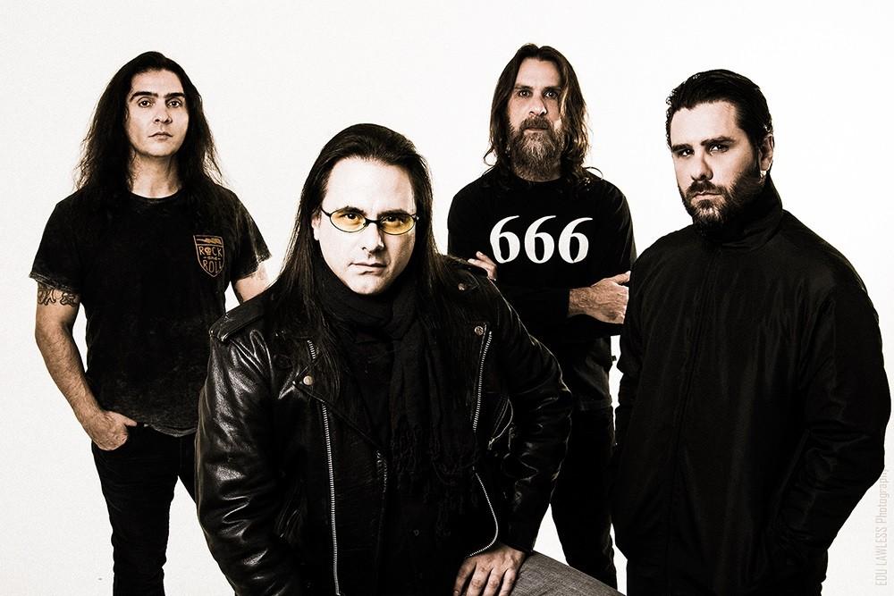 A banda paulistana de heavy metal Shaman