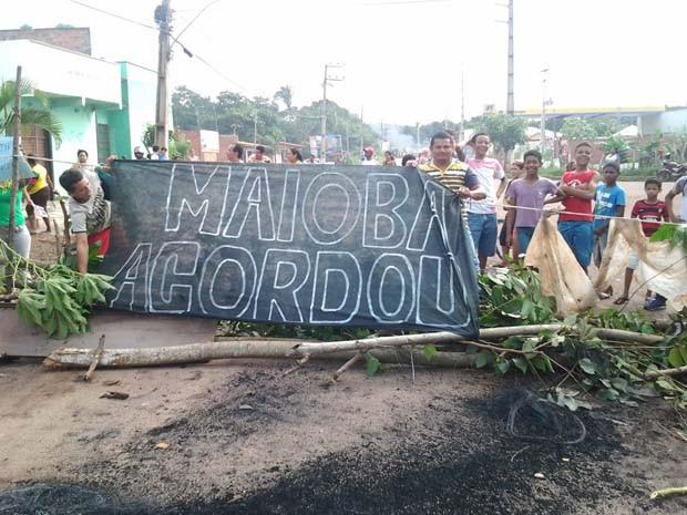 Protesto na Maioba (Foto: Domingos Ribeiro/Mirante AM)