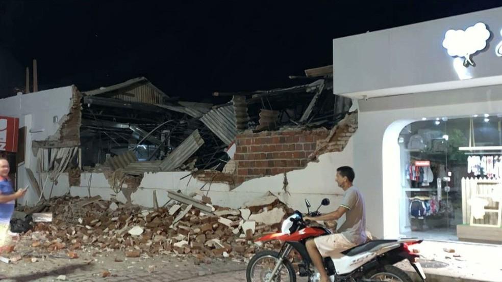 Explosão em agências bancárias de São Bento, no Sertão da Paraíba — Foto: Reprodução/TV Paraíba
