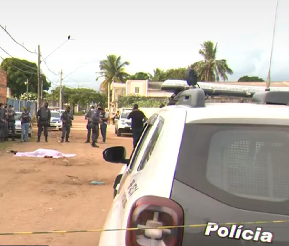 Bombeiro hidráulico foi morto quando saía de casa para trabalhar em Vila Velha — Foto: Reprodução/TV Gazeta