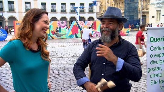 Músico leva sua arte às ruas para garantir o ganha pão
