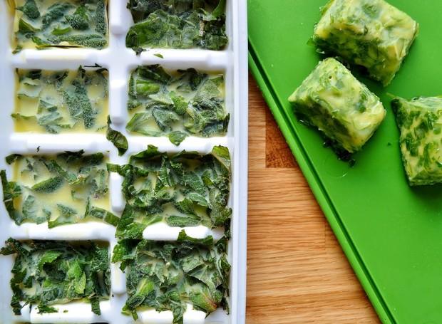 Ervas congeladas com azeite de oliva (Foto: Reprodução/Gluten Free SCD and Veggie)