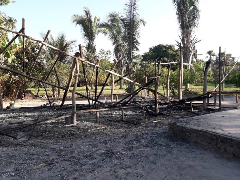 Moradores da comunidade de Santa Maria acreditam que o incêndio tenha sido criminoso. — Foto: Divulgação/Jorge Moreno