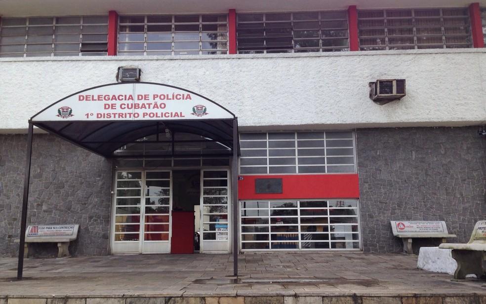 Caso foi encaminhado para a Delegacia Sede de Cubatão (Foto: Mariane Rossi/G1)