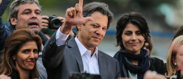 Haddad e Manuela oficializam chapa em Curitiba