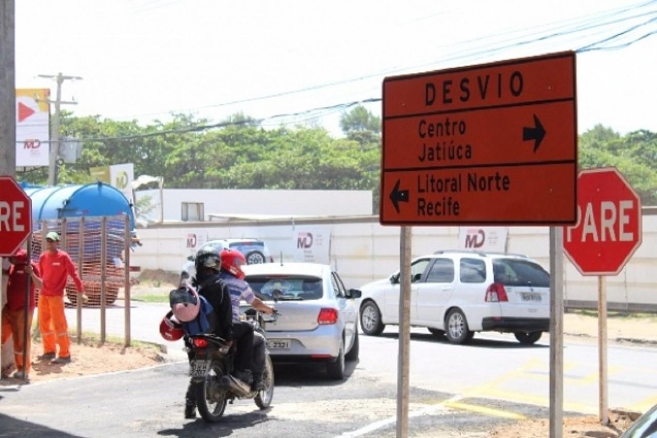 Trânsito em Jacarecica é modificado por obras de duplicação da AL-101 Norte