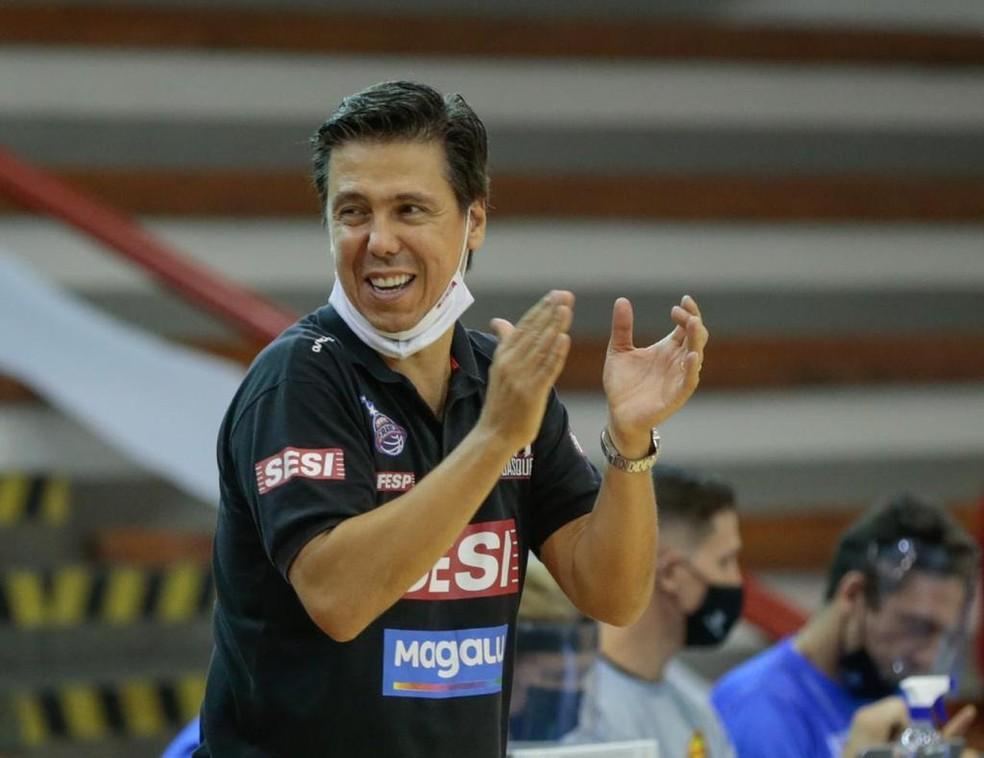 Helinho, treinador do Franca Basquete, que se classificou para todas as edições do Super 8 — Foto: Marcello Zambrana/FPB