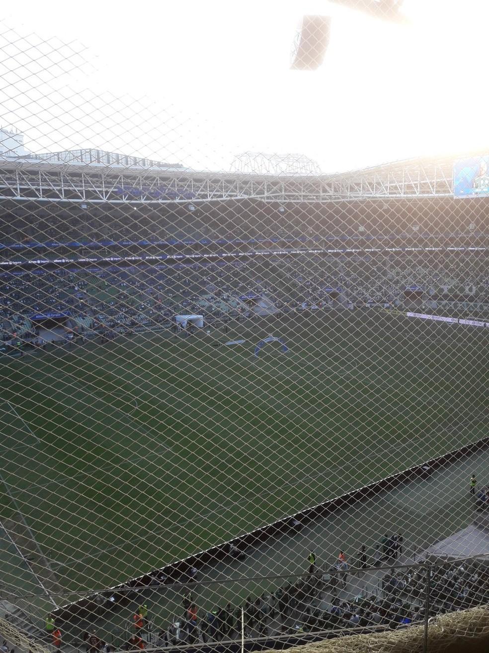 Torcedores do Athletico j haviam reclamado da tela na arena do Palmeiras  Foto Gabriel CurtyArquivo Pessoal