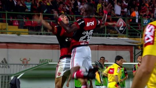 """""""Doblete"""" de Vinicius Junior é destaque na Espanha: """"Velocidade e definição"""""""