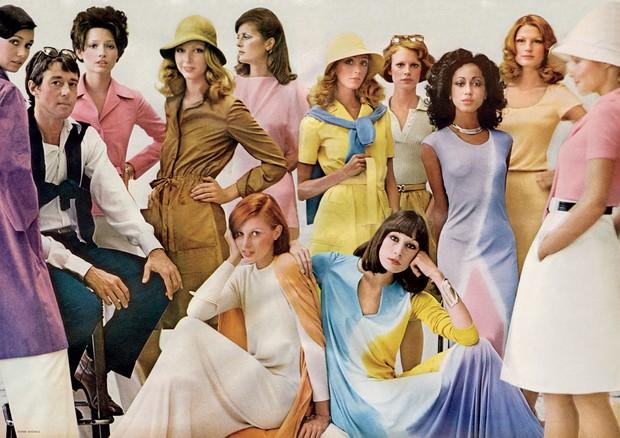 Halston e suas musas na Vogue americana em 1972 (Foto: Duane Michals/Reprodução)