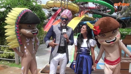 Carlinhos Brown e Júlia Gomes participam do Dia da Alegria em ação especial no Ceará
