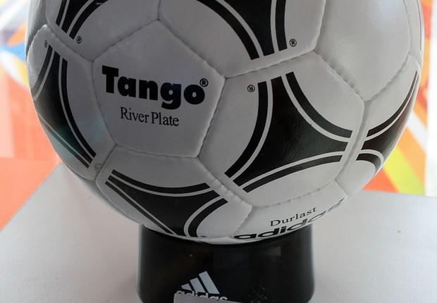 A Tango, bola da Copa da Argentina em 1978 (Foto: Warrenski/Wikicommons)