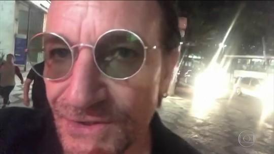 Bono relata U2 'preso no trânsito' em caminhada pelo Centro de SP