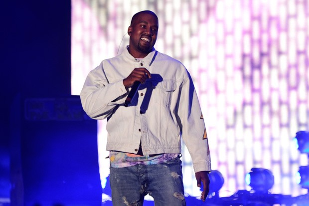 INDIO, CA - APRIL 15:  Hip-hop artist Kanye West performs onstage during day 1 of the 2016 Coachella Valley Music & Arts Festival Weekend 1 at the Empire Polo Club on April 15, 2016 in Indio, California.  (Photo by Frazer Harrison/Getty Images for Coachel (Foto: Getty Images for Coachella)