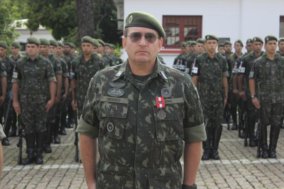 Tenente-coronel Paulo Ubirajara Mendes assumiu comando da 2º Regimento de Cavalaria de Guarda em janeiro do ano passado (Foto: Reprodução site do 2º Regimento de Cavalaria Andrade Neves)