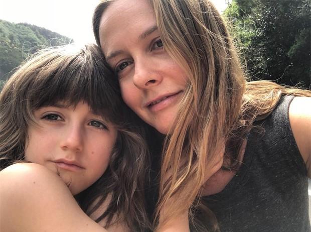 Alicia Silverstone e o filho, Bear (Foto: Reprodução/Instagram)
