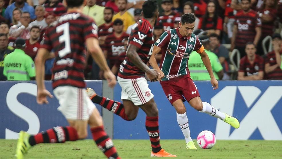 Contra o Fla, Ganso fez outra partida apagada — Foto: Lucas Merçon/Fluminense FC