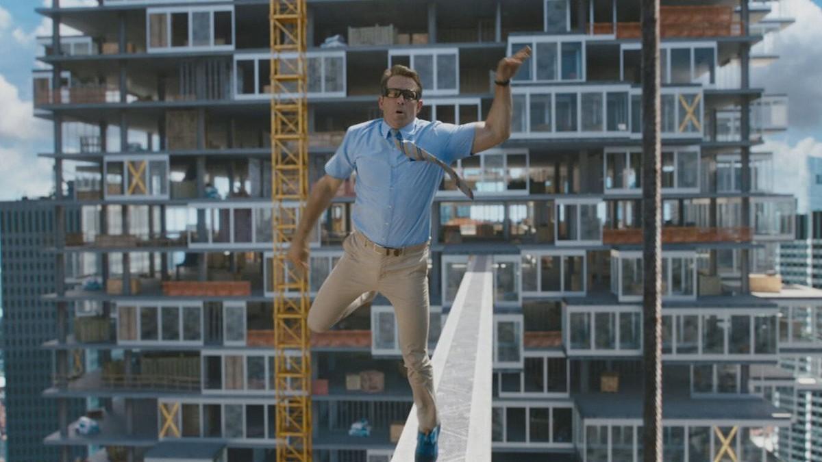 Em 'Free Guy: assumindo o controle', Ryan Reynolds dá vida a herói improvável dentro do videogame